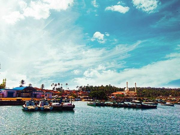 Kerala daa ! Vizhinjam Thiruvananthapuram Traveldiaries Photography Love Travelling Travel Traveller Sea Blue Harbour Kerala India Nature Happy Instalove Instalife Instagood Sky