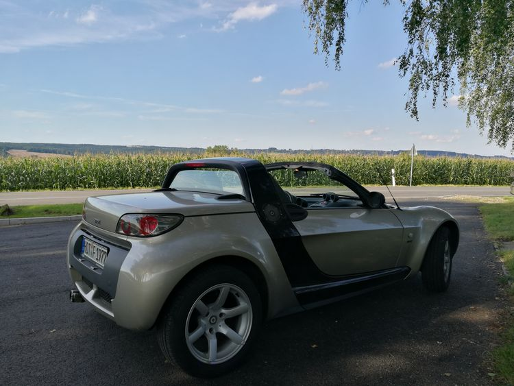 Küchlers Ruh Smart Roadster Car Road Sky Cloud - Sky Road Trip