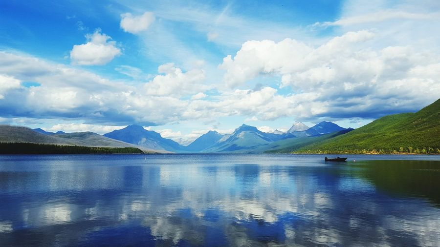 Good Morning Beautiful Glaciernationalpark Water Water Reflections Waterfront Waterscape Mountains Mountain Range Nationalpark Nature Evergreen Montana Horizon Over Water Horizon