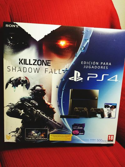 Ps4 Ps4 Finally Touching Down In The Nxt 20 Mins. Sooo Cool Playstation 4 .... Capricho