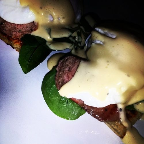 BRUNCH | Poached Eggs on a bed Roast Sausage and fresh Spinach with a Irish Potato Bread with a Hollandaise Sauce. @steviestevert @therealninierz @kimvirtucio love a good Hollandaise sauce. Brunch ICooked Icancook HouseHusbandMaterial Project365 18of365