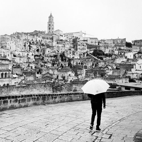Matera Streetphotography Instagramstreets Urbanphoto Eyemphotography Urbanphotography Urbanlandscape Black And White Collection  Monochrome Black & White Instagramblackandwhite Umbrella Monochromegallery