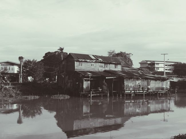 Building Exterior Reflection Architecture Outdoors Water No People Sky Day Built Structure Old Buildings Smartphonephotography Wintage