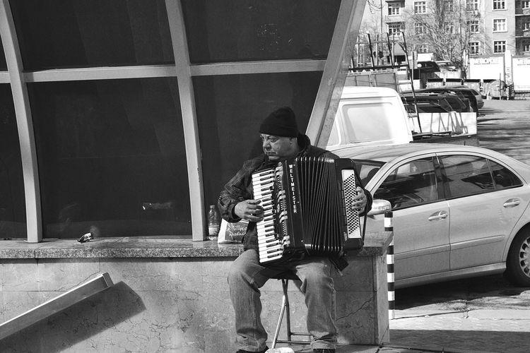 Monochrome Black & White Black And White Streetphoto_bw Streetphotography B&W Portrait Streetphotography_bw Street Photography Blackandwhite Shades Of Grey Here Belongs To Me