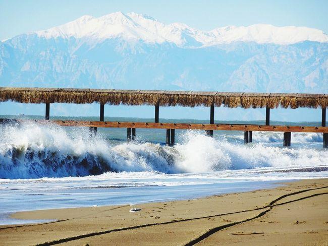 Wilde Wellen Strand #beach Belek Tuerkei Turkey Wellen Waves Mountains Berge Sonne
