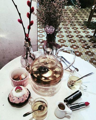 Thưởng trà 😙😙😙😋😋😋 Etea Macarons Etea Sonice Love Lozihanoi Hanoifood Hanoi 👅💋👍