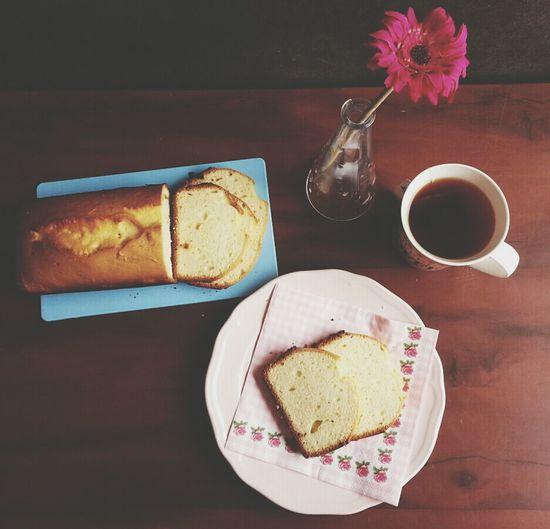 Sweet Flower Tea Poundcake