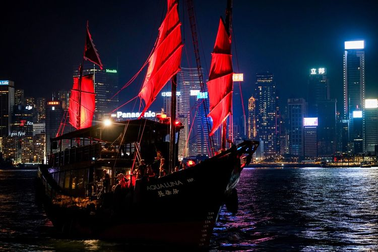 Night sailing Discoverhongkong The Week On Eyem EyeEmNewHere Night Architecture Building Exterior Transportation Nautical Vessel Mode Of Transport Built Structure Illuminated Patriotism Outdoors Sky Water No People City Harbour Waterfront Aqualuna Sailing Ship Night Photography Nightshooters Mystyle