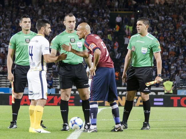 Guiñazú PabloGuiñazú Saludo Taller Futbol Futbolargentino Soccer Talleresdecordoba