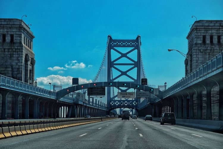 Vanishing Point Streets Of Philadelphia Streetphotography Philly Phillylove ❤️ Mobilephotography FUJIFILM X-T1