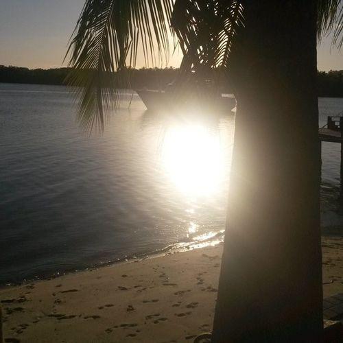 """""""..no final de tarde, tudo se mistura, saudade invade, chama por você."""" Fimdetarde BarradeSãoMiguel Beach Photography Brazil Alagoas Amazing Brasil World Praia"""