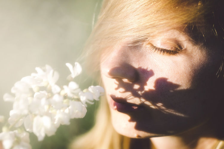Beautiful Woman Beauty Beauty In Nature Blonde Close-up Day Female Flower Fragility Freshness Glamour Nature Nature One Person Outdoors People Portrait Soft Sunlight The Portraitist - 2017 EyeEm Awards Woman Young Young Adult