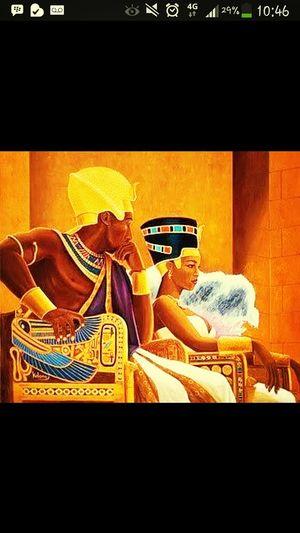 """""""Les rois sont fais pour tenir les reines."""" ROHFF Tiamo FaitPetéLeSon"""