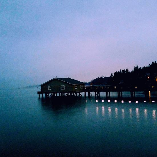 Reflection Tranquility Dusk Tranquil Scene Water Nature Scenics Idyllic Night Built Structure Sea No People Sky Beauty In Nature Outdoors Architecture Landscape Beach Veiwpoint Of A Homeless Seattle Girl Puget Sound, Washington Seattle, Washington Washington State Tranquility Travel Destinations Reflection