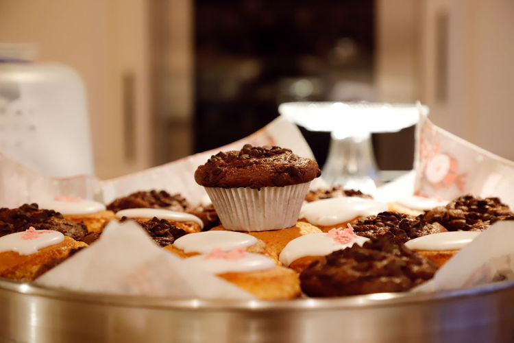 Muffin Muffins Baking Baking Cookies Baking Muffins Handmade Selfmade Cooking Kitchen Stacked Abundance Food And Drink Food Sweet Food Sweet Freshness Indulgence Dessert Indoors  Cake Selective Focus Cupcake Ready-to-eat Close-up Chocolate Temptation Still Life Unhealthy Eating No People Baked Table Cupcake Holder Snack