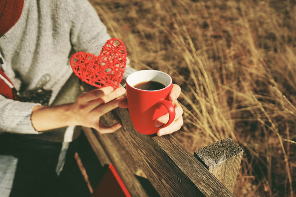 Cup Holding Drink Mug Refreshment One Person Human Hand Food And Drink Coffee Cup Coffee Coffee - Drink Hand Real People Adult Leisure Activity Red Lifestyles Wood - Material Hot Drink Outdoors Drinking Tea Cup
