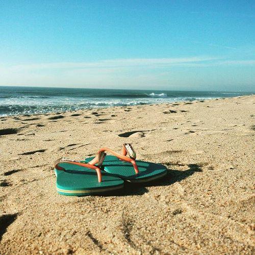 November & beach days 🌞 Beach Portugal November Sunny Amazingweather Weekendatthebeach Praiadesalgueiros