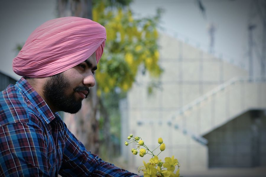 Flower One Person Young Adult Traditional Clothing Only Men Lifestyles Welcome To Black Long Goodbye Mustache Healthy Lifestyle Mensfashion Turban Farmer Outdoors Close-up Urban Lifestyle Headshot Beauty In Nature Mature Adult Gabru EyeEmNewHere Black Beauty Rural Scene One Man Only