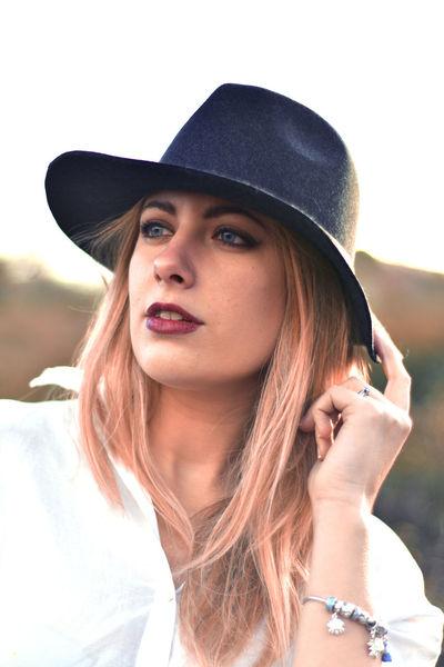 #lights #model #naturalbeauty #nikon #portrait #portraitphotography #sunset #womanportrait The Portraitist - 2018 EyeEm Awards