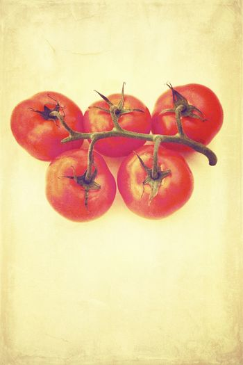 Tomatoes with old paper texture Ready for your recipe Paper Background Recipe Background Tomaten Copy Space Nobody Old Paper Texture Paper Background Fruit Healthy Eating Food And Drink Wellbeing Food No People Freshness Red Close-up Vegetable Tomato Organic