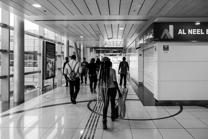 Architecture Black & White Dubai FUJIFILM X-T1 The Week On EyeEm Welcome To Black Blackandwhite Blackandwhite Photography Lines And Shapes Lines, Shapes And Curves Monochrome People