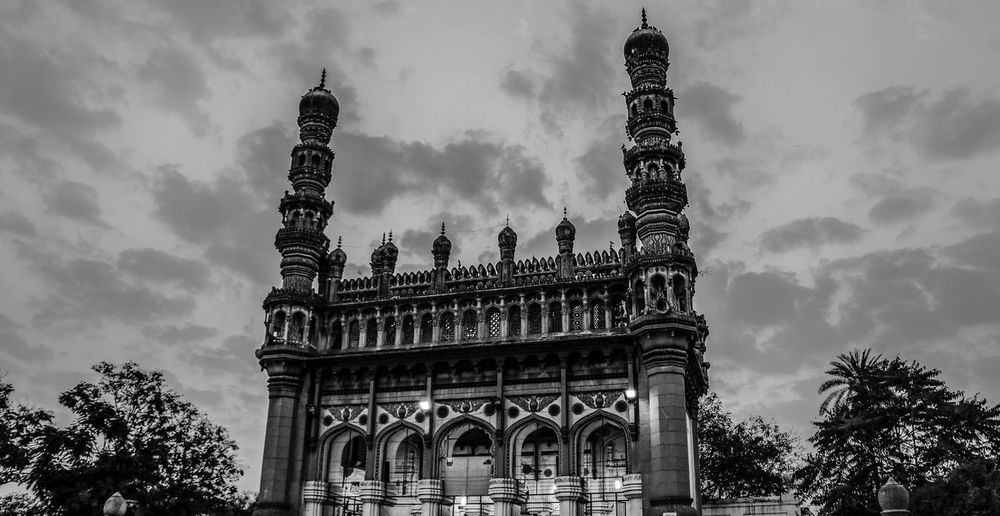 367 years old but still standing tall. Architecture Black Black & White Black And White Black And White Photography Black And White Portrait Black&white Blackandwhite Blackandwhite Photography Blackandwhitephotography Building Exterior Built Structure City Cloud - Sky Contrast Day Low Angle View Mosque Mughal Mughalarchitecture No People Outdoors Sky Travel Destinations Tree