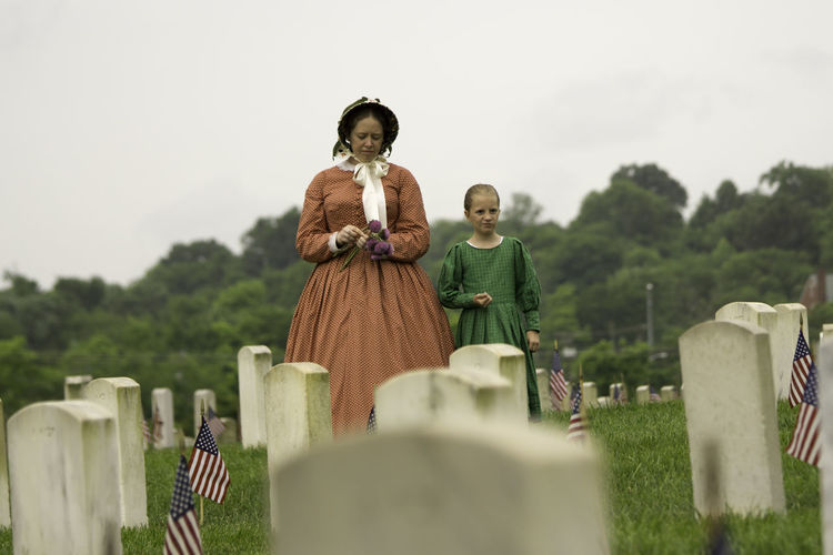 Antique Memorial Memorial Day Cemetery Emotion Gravestone History Memorial People Sadness Selective Focus Tombstone
