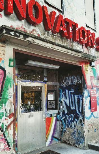 Redlover on Urban Exploration tour through Myfuckingberlin - Doorporn Streetart mitten in mitte: Sharing Innovation Knowledge