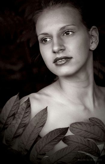 Beauty Black & White Between The Nature Woman Beautiful Girl Portrait Up Up Into The Djungle Amazone