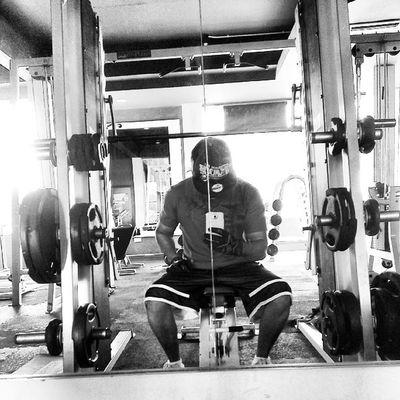 Call me Mr.Smith. Smithmachine Monday AsweatAday Gym Fitness Wellness fitfam SummerHolidaysBods gogetem