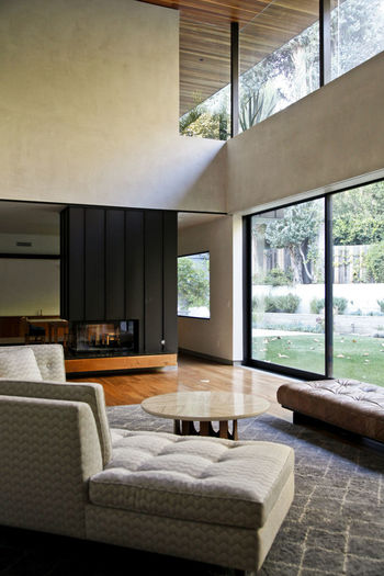 Modern Workplace Culture Bed Bedroom Day Domestic Life Home Interior Home Showcase Interior Indoors  Luxury Nature No People Tree Window
