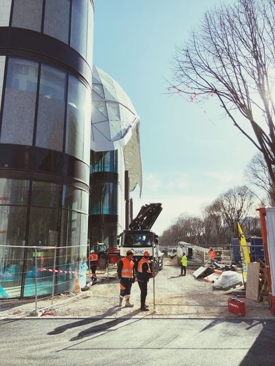 Centro commerciale do prado.. Construcción Working Hard Construccion Worker Architecture Built Structure Building Exterior Clear Sky Sky Tree Day Men Real People