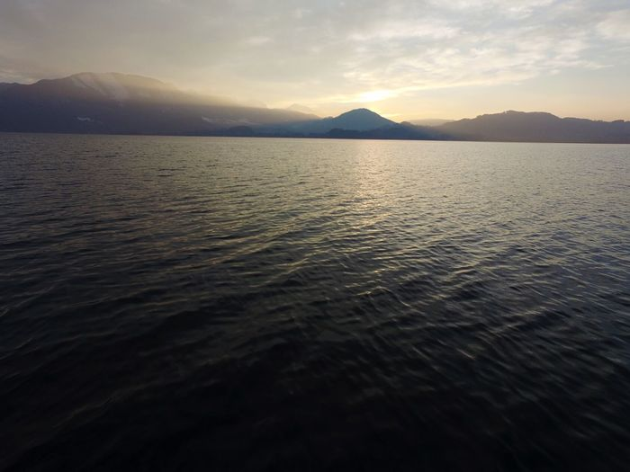 Beautiful Traunsee Gmunden Water Sunset