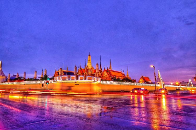 Temple of the Emerald Buddha or Wat Phra Kaew. Beautiful temple Temple Architecture Temple Buddha Statue Buddha Temple The Great Outdoors - 2018 EyeEm Awards City Cityscape Nautical Vessel Space Arts Culture And Entertainment Business Finance And Industry Illuminated Ship Sky Palace