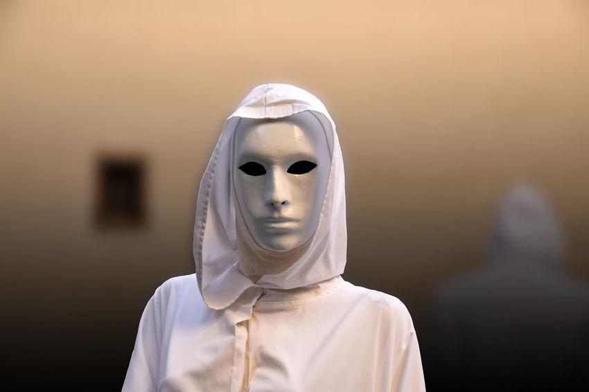 Fidelio Carnevale Carnevale Di Venezia Culto Maschera Mask - Disguise Massoneria Mistero Occultismo Occulto Rito Rito Occulto Sacerdote Sacerdotessa Sfondo Sfuocato Vesta