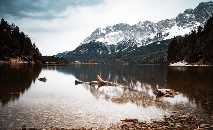 Eibsee Lake Lake View Landscape EyeEm Selects Fluss Nature Wälder Tree Sky And Clouds Forest Wasser Nature Photography Waldspaziergang Waldlichtung Waldweg Astronomy Water Mountain Snow Lake Reflection Sky Landscape Mountain Range Cloud - Sky