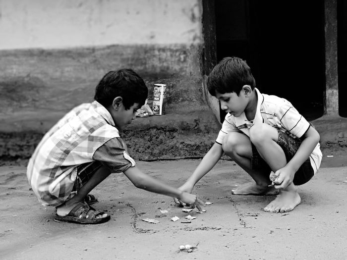 Child Childhood Full Length Boys Playing Friendship Sibling Brother Love The Game 2018 In One Photograph My Best Photo