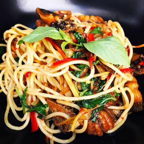 The Spaghetti Catfish สปาเก็ตตี้ปลาดุกผัดเผ็ด