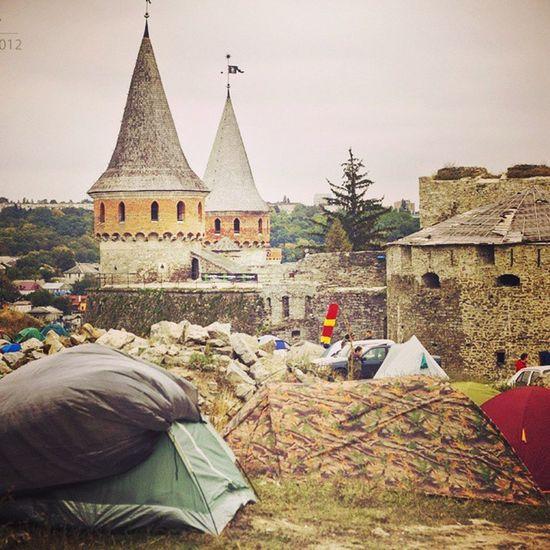 Народ, кто едет еще 5-7 сентября на фестиваль Respublika в Камянец-Подольский? Ну вы же в курсе, что хедлайнером в этом году выступает Trubetskoy? К стати, жить в палатках там все будут, билеты по 200 гривен, ДемАльянс едет;)