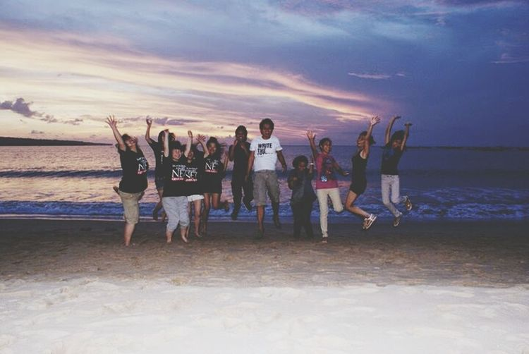 Throwback to one of the best trips in my life. Bali 2010 Globalclassroom Sunset Jimbaranbeach Friends Limkokwing