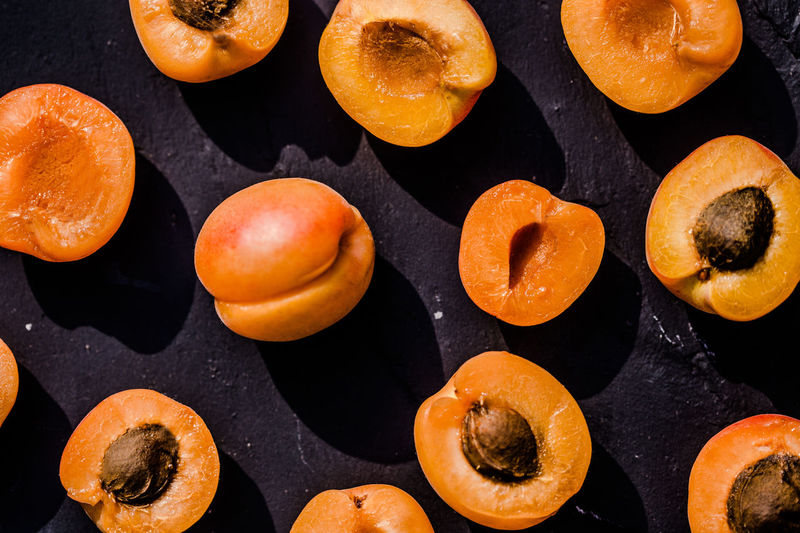 This year I m the Apricot Man ;-) last year was Watermelon Apricot Apricots Aprikose Backgrounds Backgrounds Details Textures And Shapes Close-up Colorful Composition Contrast Eye4photography  EyeEm Best Shots EyeEm Gallery Food Freshness Fruit High Contrast Juicy Light And Shadow No People Orange Color Popart Shadow Still Life StillLifePhotography Summer Feeling