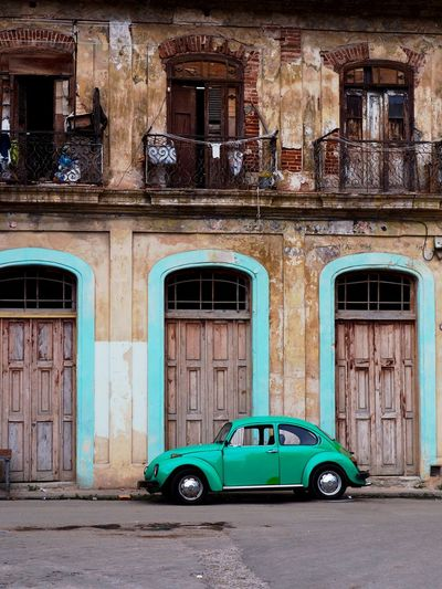 Building Exterior Architecture Mode Of Transportation Built Structure Transportation Window City Car Motor Vehicle Building Old Land Vehicle Residential District Day Obsolete No People Weathered Street Retro Styled Turquoise Colored Citroen Oldtimer