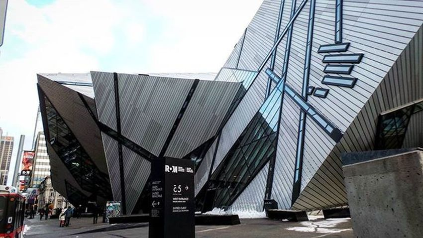 The R.O.M . Kspr Therom TheRom2016 Theroyalontariomuseum Toronto The6 Tdot  The6ix Thesix 6side Museum Egypt Pompeii  Pompeiiruins Art Artsy History Artifacts Life Whatislife Unifilmfoto Universe Ontario Canada 2016