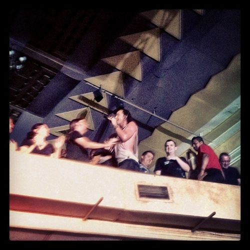 Gavin took the mic and ran the crowd, hugging fans on the top tier!