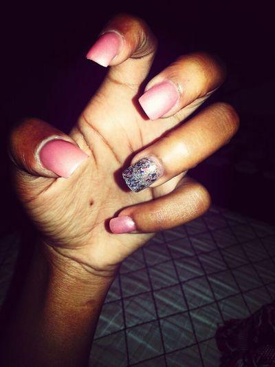 le nails. ~