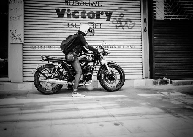 Bike Bikers Roadie Road Trip Roadsidephotography Black And White Adult One Man Only One Person Outdoors People Random Bangkok Thailand City Welcome To Black Welcome To Black