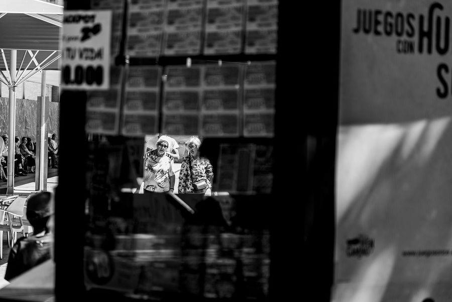 Taking Photos Enjoying Life Simple Moment Talented City Life Streetphotography Fine Art Photography EyeEm Best Shots - People + Portrait EyeEm Best Shots - The Streets Showcase July Street_photo_club Street_capture Life_Collection The Street Photographer The Week On Eyem The Week On EyeEm Black & White Eye4photography  EyeEm Best Edits Photooftheday Street Zaragoza Black And White Collection  Blanco & Negro  Shotoftheday