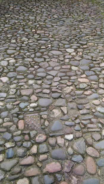 Olde path... new cover. Gas Cover Stone Uneven Cobblestone Streets Oldenglishbulldog Old But Awesome History As It Was Ages  Backgrounds Full Frame Pattern Salt Basin Water Cobbled Cobblestone Walkway Pavement Detail Textured  Paved Stone Tile