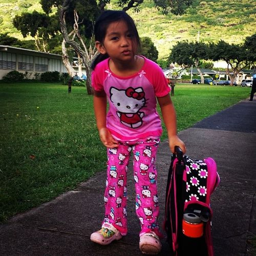 Spiritweek at Hahahione school, today is Pajama day. There is a little girl that I see at A+ that wears the same pajamas everyday. I imagine today is her day to shine. She keeps it real everyday of the year, waiting for today... PAJAMA DAY! Dirtypajamagirl samsonitekid freaksandgeeks hellokitty