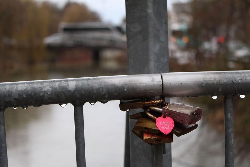 Regenwetter Abensberg Brücke Abens Schlösser Deutschland Bayern Regen